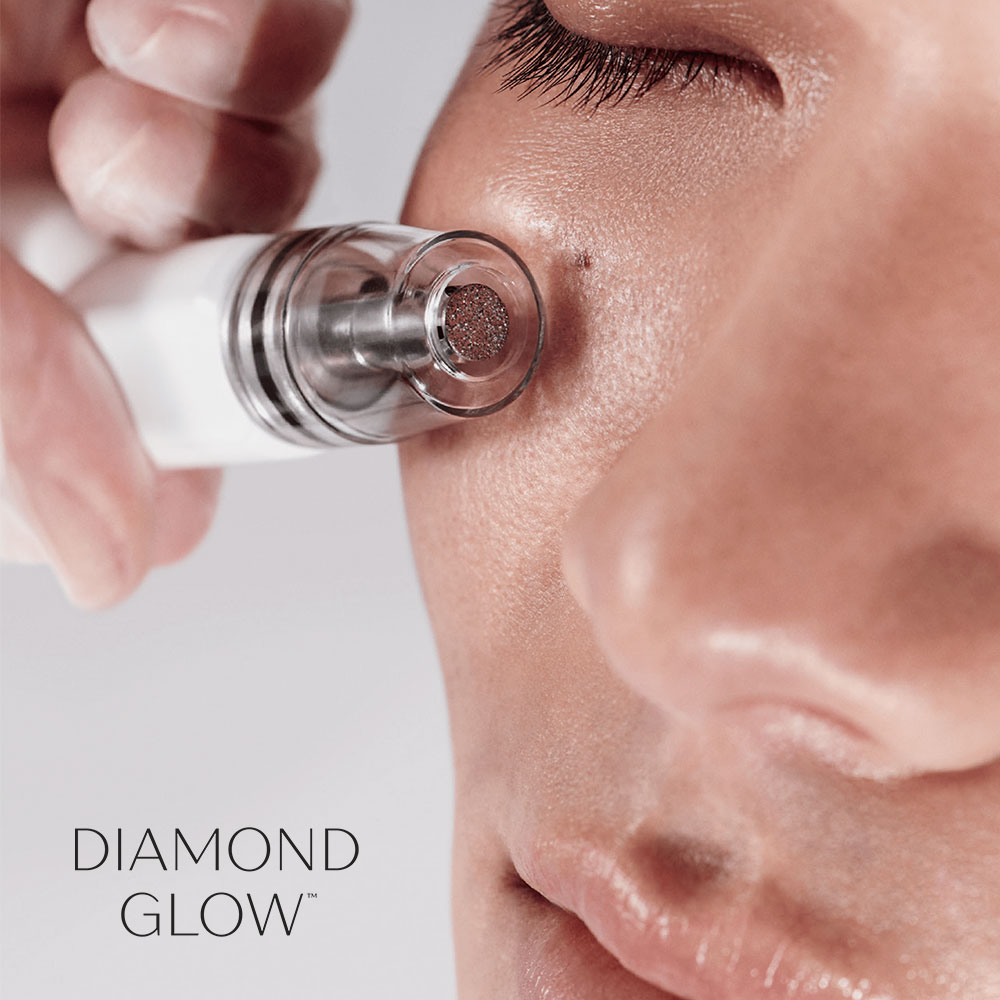 Facial Treatment DiamondGlow